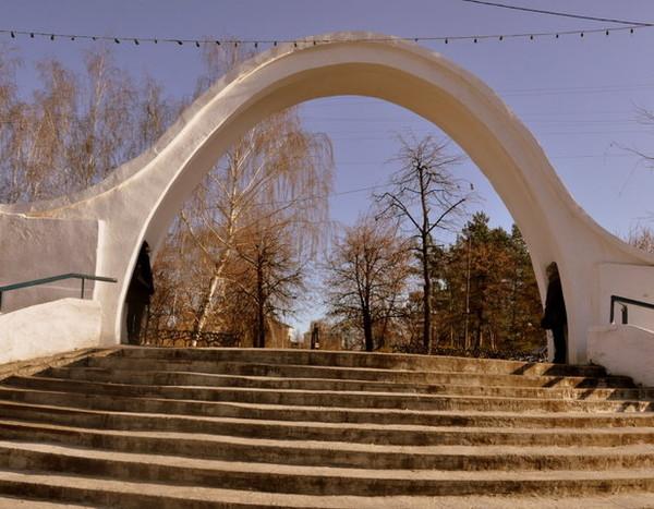 арка влюбленных казань
